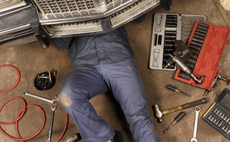 mechanic-under-the-car-8798588