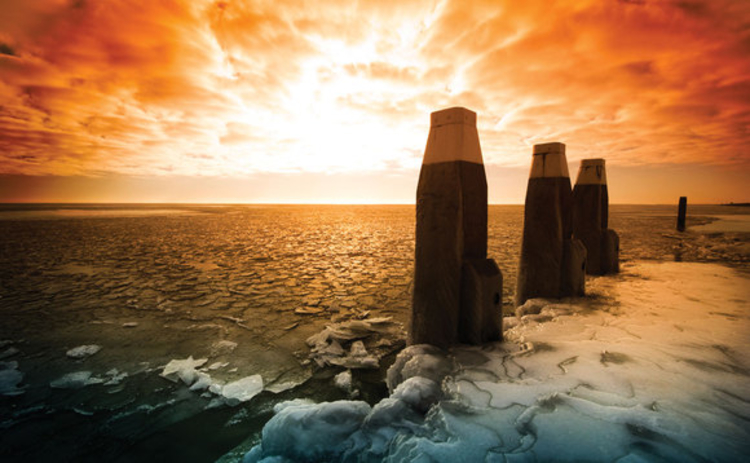 icefloes-posts-sunset
