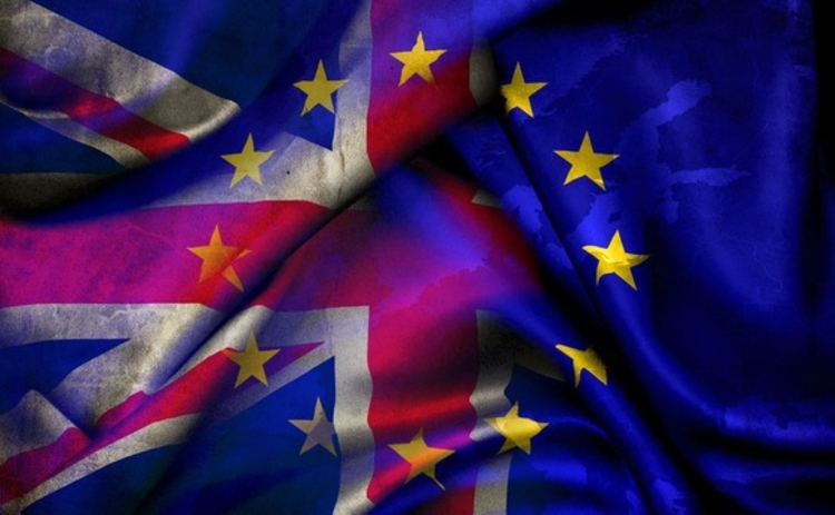 brexit-uk-eu-flags-tarnished-web